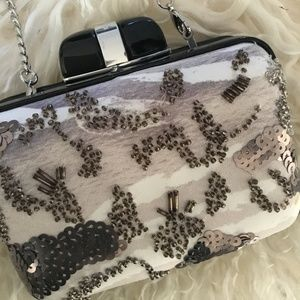 ♣️lux♣️Karen Millen Silk Beaded Box Clutch
